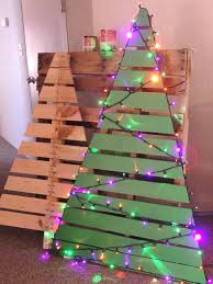 One Pallet Makes 2 Christmas Trees Just Cut Reinforce Any Loose Strips