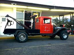 THE STREET PEEP: 1930's Ford Tow Truck