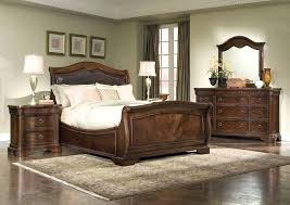 Legacy Classic Heritage Court Leather Sleigh Bed