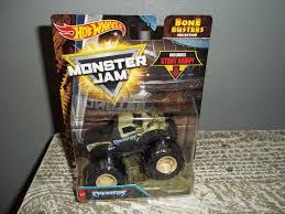 2018 Hot Wheels Monster Jam Truck * PREDATOR * Bone Busters 1/64 ... 2009 2014 Ford F150 Predator Factory Style Bed Raptor Mudslinger Nelson Monster Trucks Wiki Fandom Powered By Wikia Truck Stacey Davids Gearz Installed Bedside Graphicsuncided Forum Stock Photo Image Of Crush Predator Warren 44823420 Velocity Toys Off Road Suv Remote Control Rc High Vwerks Offers Custom Cfigurations Trend This Gfylookin 90s Concept Is For Sale In Detroit Jam Predators Theme Youtube Dallas Design Sales Builder Jrs Predator 2 Stripes Decals Vinyl Graphics