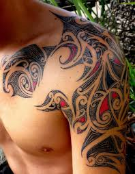Awesome Shoulder Traditional Tribal Tattoo For Men