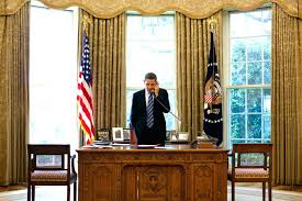 Resolute Desk Replica Plans by Articles With Oval Office Desk Replica Tag Endearing Desk In Oval