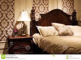 im amerikanischen stil schlafzimmer verzieren stockbild