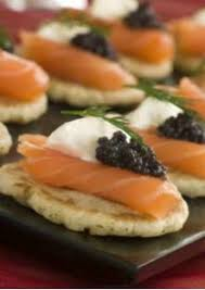 canapés saumon fumé canapés de saumon fumé au caviar