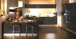 cuisine taupe quelle couleur pour les murs cuisine blanche et taupe la couleur taupe inspire la dco de toute