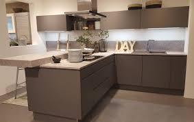 vente cuisine exposition avb cuisines etude conception et réalisation des espaces cuisines