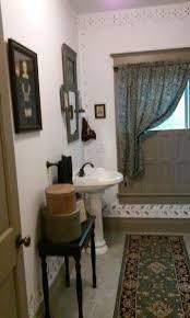 Primitive Bathroom Decorating Ideas by 157 Best Colonial Bathroom Images On Pinterest Primitive