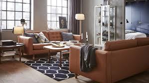 modernes wohnzimmer mit braunen ledersofas ikea schweiz