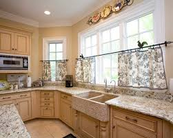Interesting Traditional Kitchen With Black And White Cafe Curtains Country Home Decor