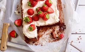 brownie kuchen mit erdbeeren