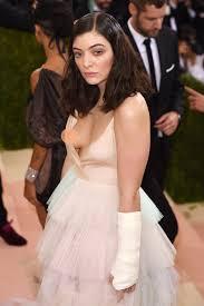 Lorde Suffers Wardrobe Malfunction at Met Gala