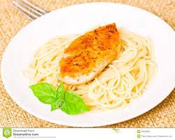 pates au blanc de poulet blanc de poulet avec des pâtes photo stock image 33029064