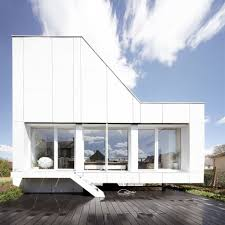 100 Box House Designs Retrofitted Shipping Containers Form Angular Flying House