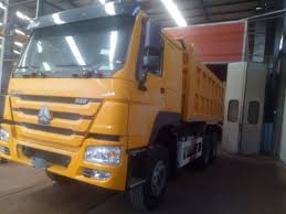Ventral Lifting Commercial Sinotruk Howo Dump Truck 40 Ton 5400 ...