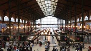 bureau de change nord arrest with knife at gare du nord station