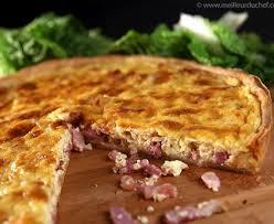 cuisiner une quiche quiche aux oignons et aux lardons crème soja recette de quiche aux