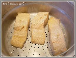 comment cuisiner du saumon surgelé pavé de saumon et sa sauce verte au basilic tout le monde à table