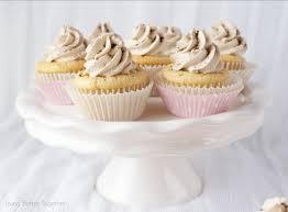 French Vanilla Cappuccino Cupcakes light and fluffy cupcakes topped with a sweet french vanilla cappuccino