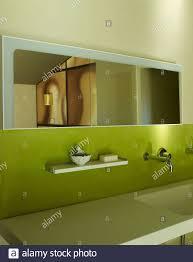 grün gestrichenes badezimmer stockfotos und bilder kaufen