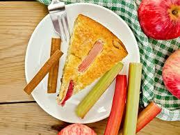 rhabarber quark rührteig kuchen vom blech mit vanille schmand