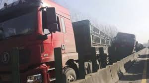 100 Truck Central 3 Killed In 28truck Pileup On Central China Highway During Thick