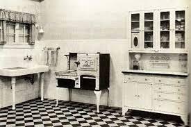 Kitchen Challenge1910 Farm House