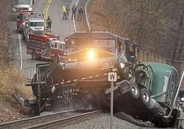 100 Ups Truck Accident Train Hits Tractortrailer Carrying Hydrochloric Acid In Washington