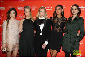 Pretty Little Liars Halloween Special 2014 Download by Pretty Little Liars U0027 Cast Presents Finale At Nyc Live Read Photo