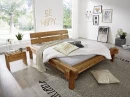 Schlafzimmer In Dachschrã Bett Unter Einer Dachschräge Tipps Und Kleine Tricks