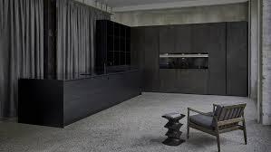 kueche im loft schwarz lackiert luxusküchen tischlerei