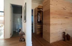 begehbarer kleiderschrank im schlafzimmer aus australien