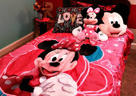 Minnie Mouse Bed Decor by Minnie Mouse Room Decor In A Box The Funny Minnie Mouse Room