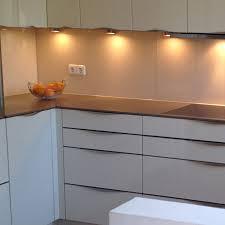 glasrückwand glasrückwand als spritzschutz in der küche