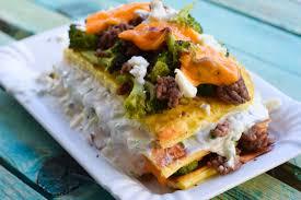 deftiger low carb tzatziki brokkoli schichtkuchen mit feta
