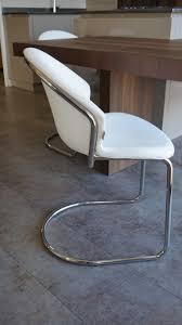 chaise blanche de cuisine mobilier design les chaises et tabourets