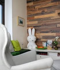 mehr hygge im wohnzimmer dank fototapete in holzoptik