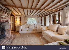 16 jahrhundert englisch ferienhaus wohnzimmer mit gusseisen