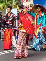 file 2015 chinese new year fashion show sudirman street