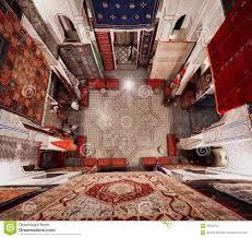 magasin de tapis magasin de tapis dans fes la médina photo éditorial image 63506491