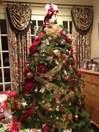 Christmas Tree 10ft by How To Decorate A Christmas Tree Traditional Living Room