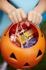 Healthiest Halloween Candy 2015 by Calories In Halloween Candy Fun Size Treats Popsugar Fitness