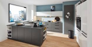 kiassische u küche mit quarzstein marquardt küchen