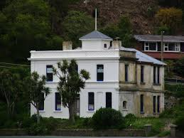 100 Portabello Mansion FileThe White House Portobello Road Dunedin NZJPG Wikimedia