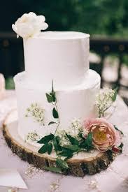 Rustic Wedding Cakes Buttercream White With Fresh Flowers Rachael Ellen Events Via Instagram
