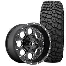 Fuel Wrangler JK Revolver Wheel And Tire Package 17