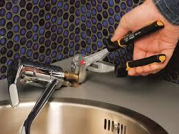 Elektrischer Wasserhahn Durchlauferhitzer Armatur Mischbatterie Mischbatterie Wechseln Anleitung In 6 Schritten Obi