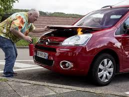 sur si e voiture bien agir en cas de début d incendie dans sa voiture