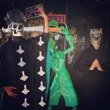 Spirit Halloween Bakersfield Hours by Halloween Town Home Facebook