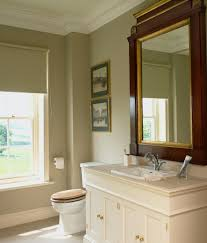 klassisch elegantes badezimmer mit antik bild kaufen
