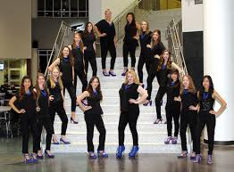 Cest La Vie The Womens Choir Group From Flower Mound High School Will Perform Christmas Carols In Plaza At Lakeside DFW 2314 Parkway